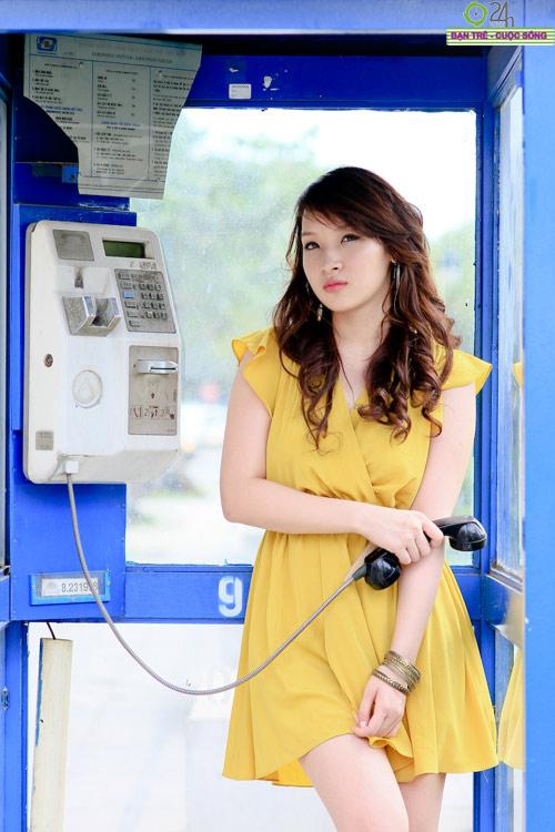 Hot girl Linh Genie tươi tắn trên phố Sài Gòn - 7