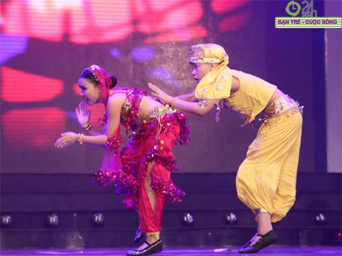 """Các tài năng trẻ gây """"sốt"""" tại Chung kết Bước nhảy xì tin miền Bắc - 1"""
