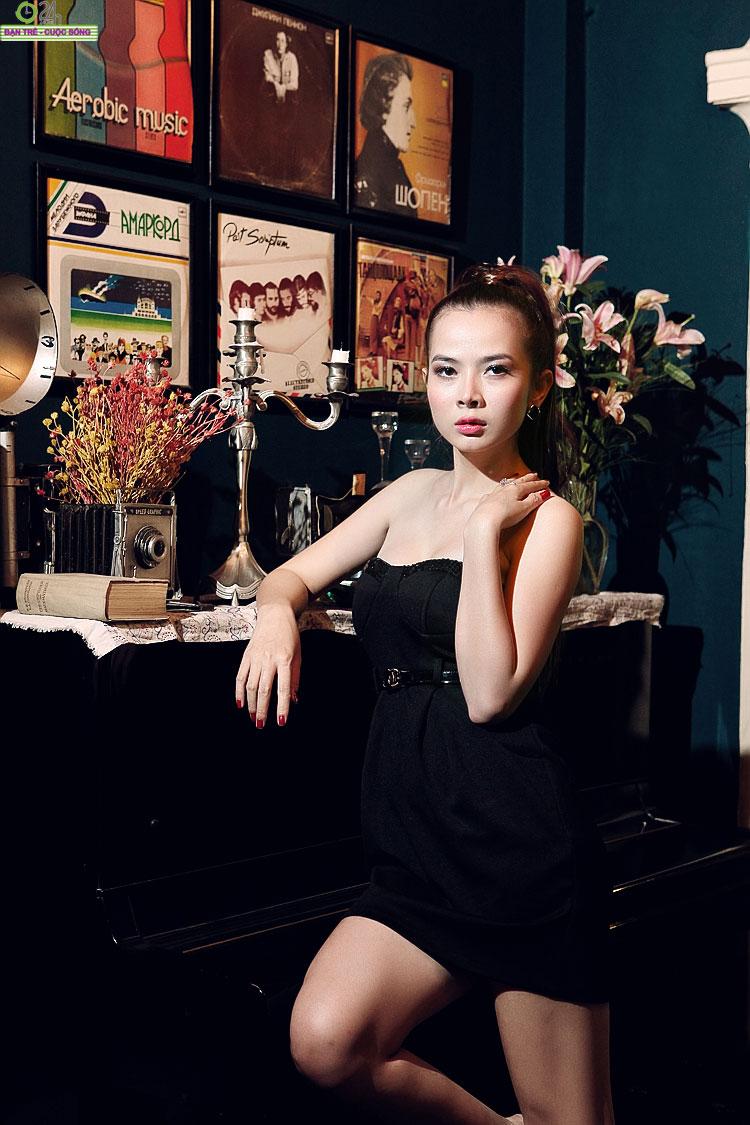 Hot girl Sài thành khoe vòng một căng đầy - 20