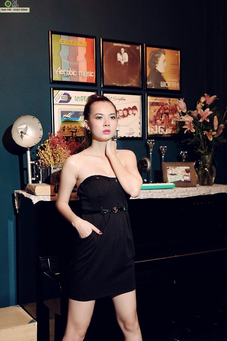 Hot girl Sài thành khoe vòng một căng đầy - 21