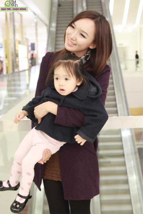 Hot girl Hà thành rủ nhau sắm quà Noel - 10