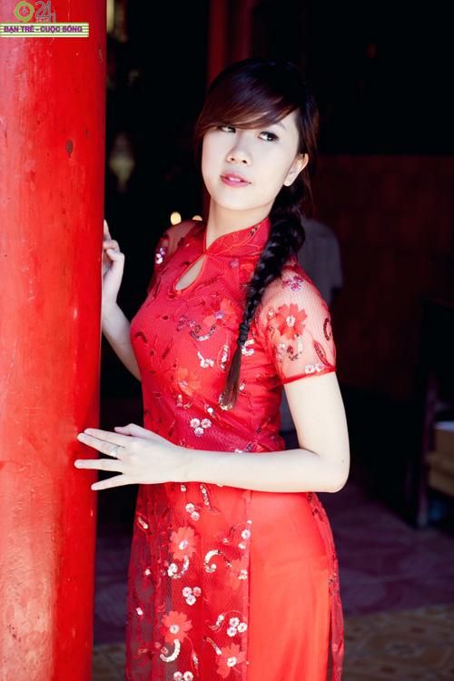 Hot girl Nu Phạm đi lễ chùa đầu năm - 3
