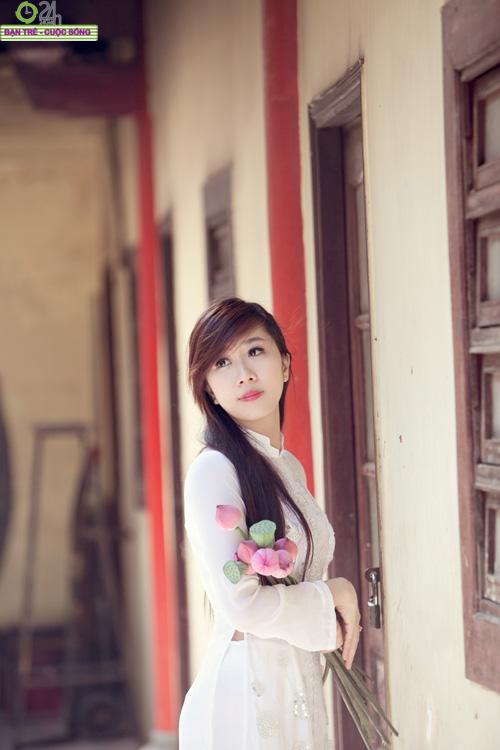 Hot girl Nu Phạm đi lễ chùa đầu năm - 6