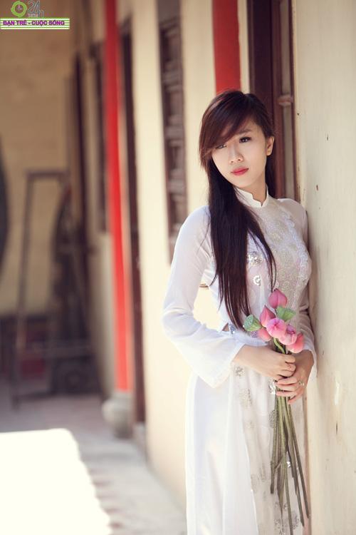 Hot girl Nu Phạm đi lễ chùa đầu năm - 8