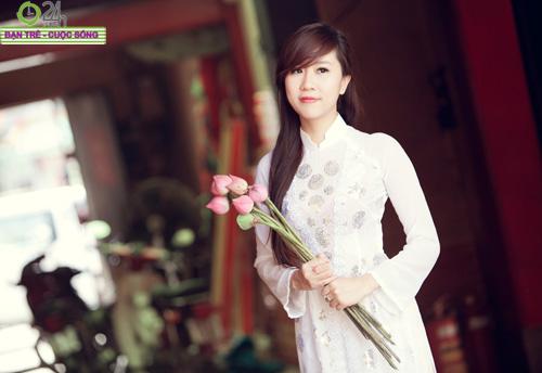 Hot girl Nu Phạm đi lễ chùa đầu năm - 10