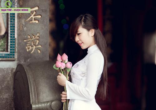 Hot girl Nu Phạm đi lễ chùa đầu năm - 13