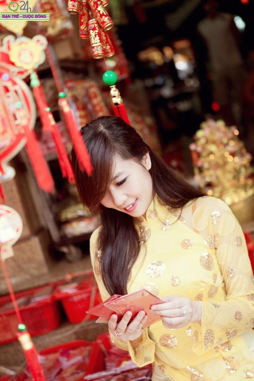 Hot girl Nu Phạm đi lễ chùa đầu năm - 17