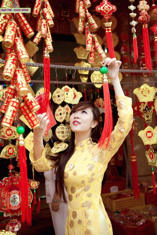 Hot girl Nu Phạm đi lễ chùa đầu năm - 19