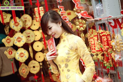Hot girl Nu Phạm đi lễ chùa đầu năm - 20
