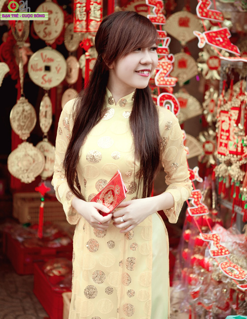 Hot girl Nu Phạm đi lễ chùa đầu năm - 21