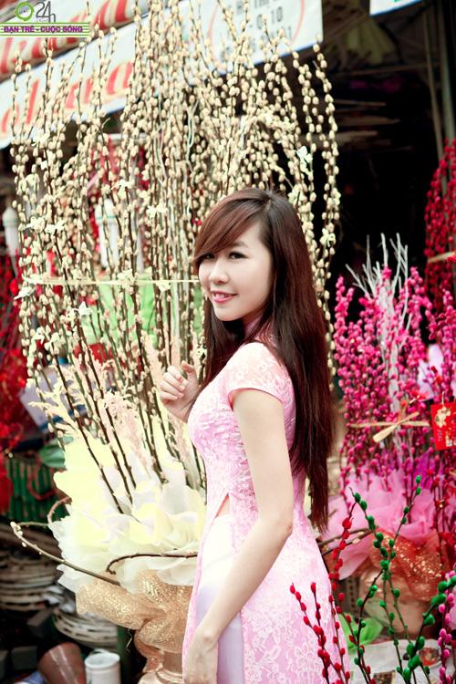 Hot girl Nu Phạm đi lễ chùa đầu năm - 23