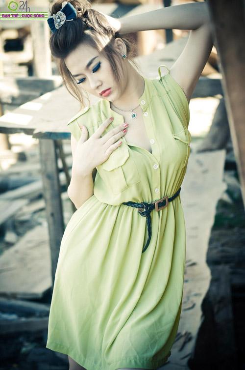 Hot girl Sâu Xinh dịu dàng trước biển - 10