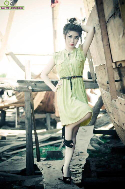 Hot girl Sâu Xinh dịu dàng trước biển - 11