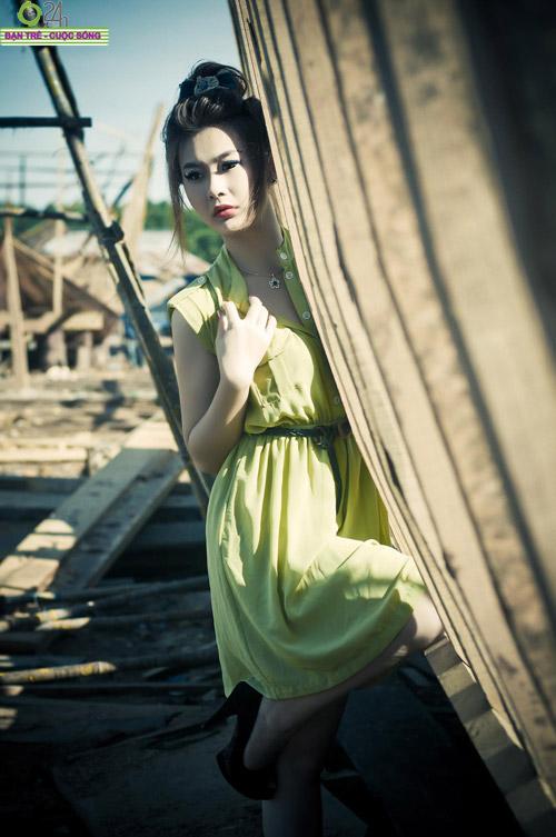 Hot girl Sâu Xinh dịu dàng trước biển - 12