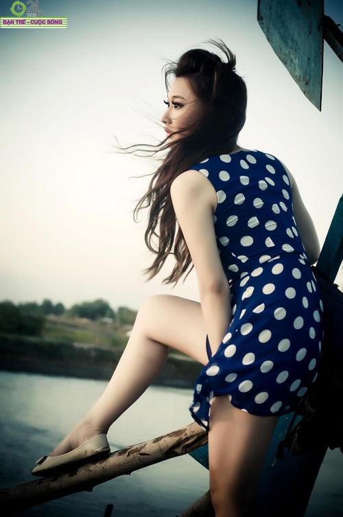 Hot girl Sâu Xinh dịu dàng trước biển - 15