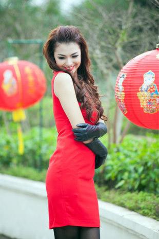 Tứ đại hot girl Việt rạng rỡ cùng sắc đỏ - 9