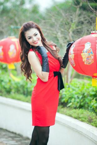 Tứ đại hot girl Việt rạng rỡ cùng sắc đỏ - 10