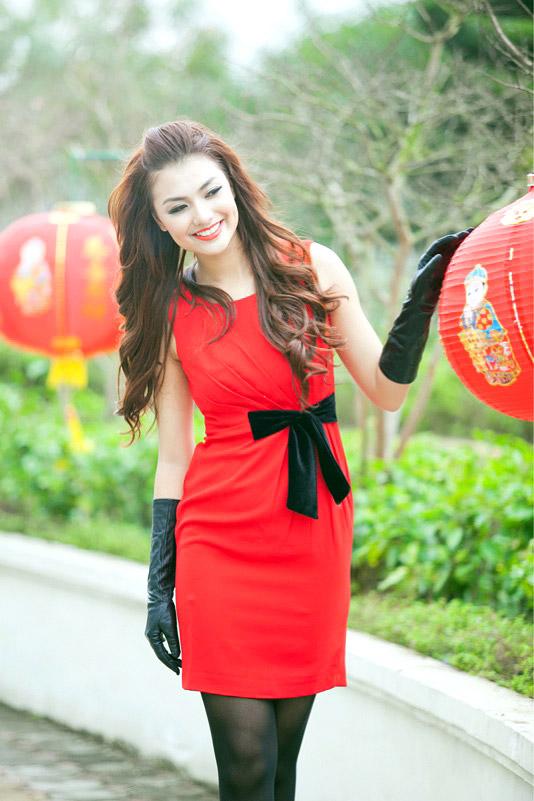 Tứ đại hot girl Việt rạng rỡ cùng sắc đỏ - 12