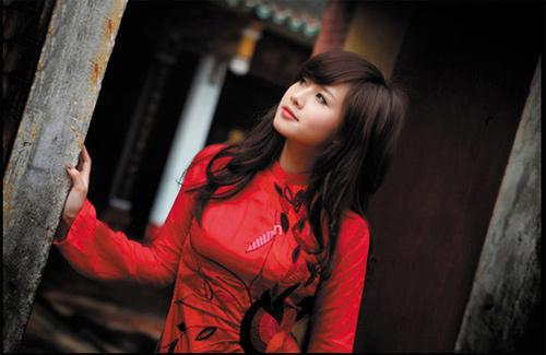 Tứ đại hot girl Việt rạng rỡ cùng sắc đỏ - 17
