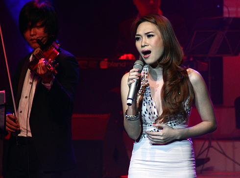 """Ca sĩ Việt và """"căn bệnh"""" cần trị gấp - 4"""