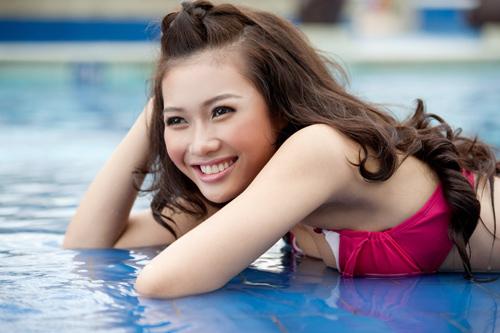 Hot girl Việt khoe đường cong nóng bỏng - 2