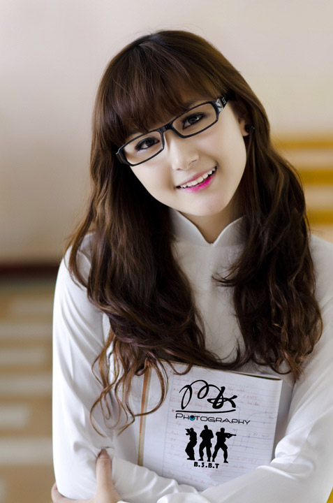 Hot girl Việt tinh khôi với áo dài trắng - 7