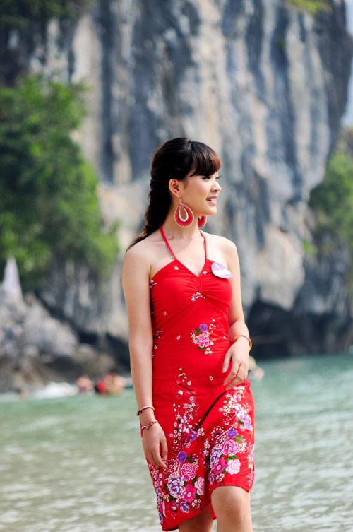 Nữ sinh Phương Đông khoe dáng ngọc ngà - 13