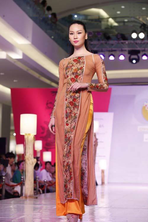 Ngọc Quyên mặc áo dài trị giá 27,5 triệu - 9