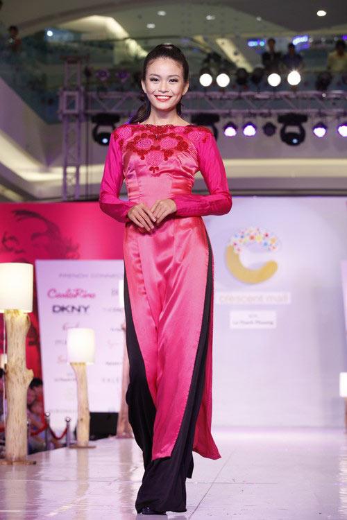 Ngọc Quyên mặc áo dài trị giá 27,5 triệu - 13