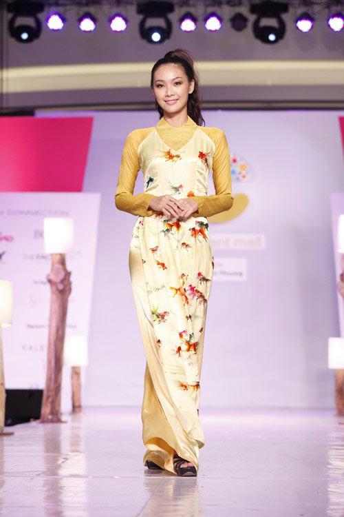 Ngọc Quyên mặc áo dài trị giá 27,5 triệu - 17