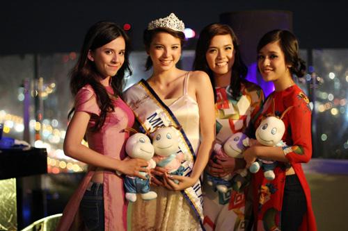 Miss Teen Việt khoe sắc trên đất Thái - 1