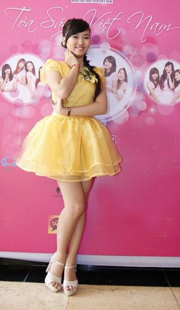 Miss Teen xinh như công chúa đi họp báo - 14
