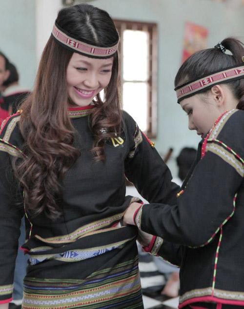 Diễm Trang hóa thiếu nữ Ê-đê xinh đẹp - 1