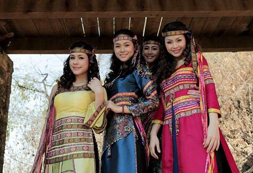 Diễm Trang hóa thiếu nữ Ê-đê xinh đẹp - 5