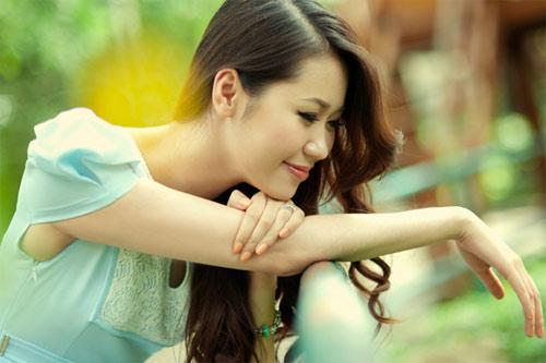 Hoa hậu Thùy Linh tư vấn sĩ tử mùa thi - 1