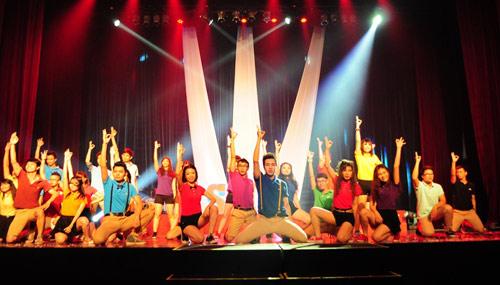 Đa sắc màu đêm chung kết FTU Shine 2013 - 2