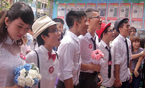 Đám cưới đồng tính tập thể tại Hà Nội - 4