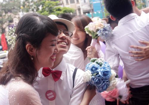Đám cưới đồng tính tập thể tại Hà Nội - 6