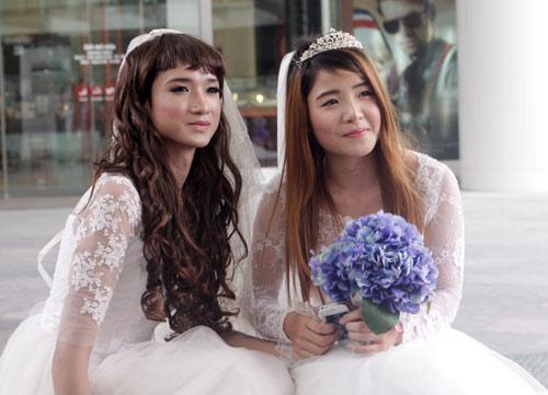Đám cưới đồng tính tập thể tại Hà Nội - 8