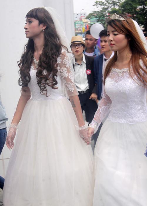 Đám cưới đồng tính tập thể tại Hà Nội - 2