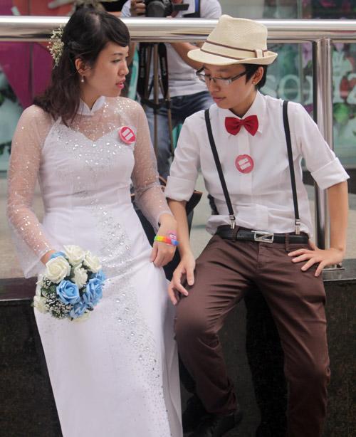 Đám cưới đồng tính tập thể tại Hà Nội - 11