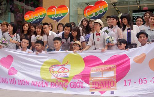 Đám cưới đồng tính tập thể tại Hà Nội - 12