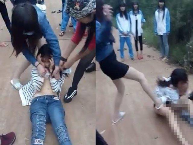 Nữ sinh bị đánh dã man, bạn học vẫn đứng quay clip