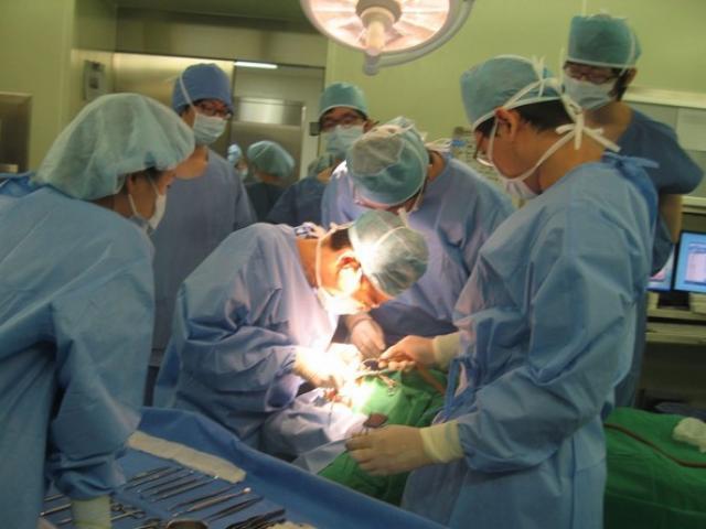 Sẽ có kỳ thi quốc gia để cấp chứng chỉ hành nghề y, dược