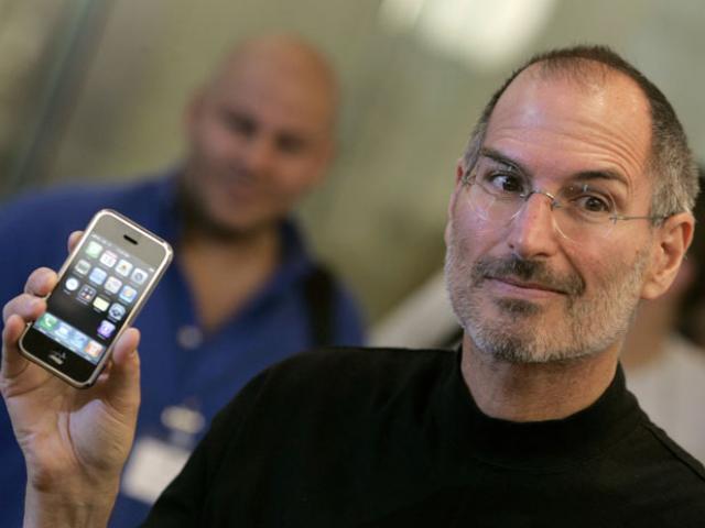 Steve Jobs đã hồi sinh Apple như thế nào?