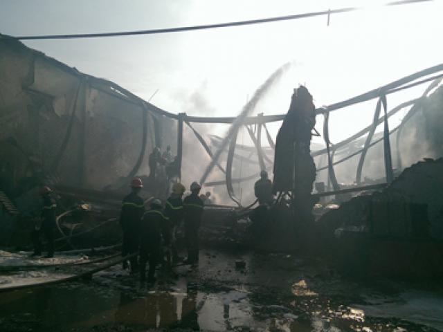 Cháy kho xưởng ở Sài Gòn: Khu vực cháy chứa hóa chất
