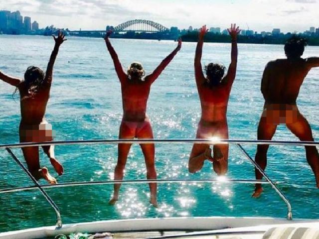 "Du lịch... ""cởi hết"" ở Úc"