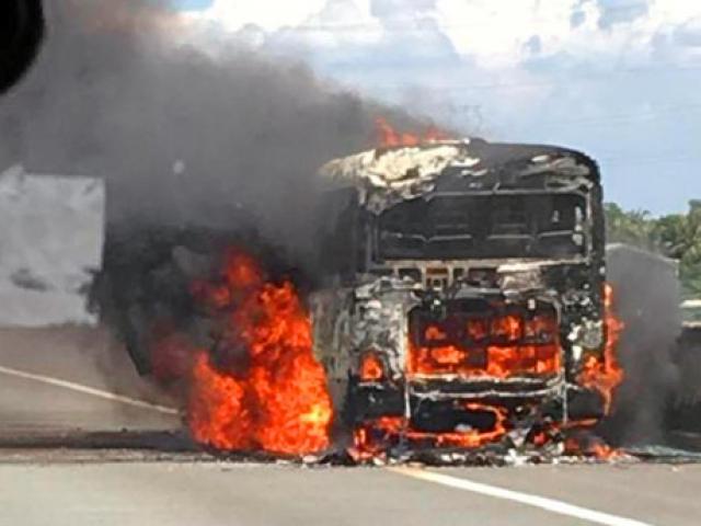 Video: Sáu ngày, bốn vụ cháy xe khách