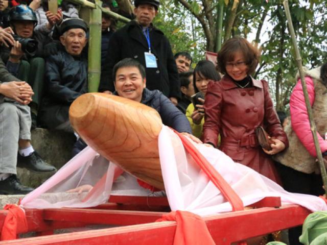 """Cận cảnh """"của quý"""" trong lễ hội táo bạo nhất Việt Nam"""