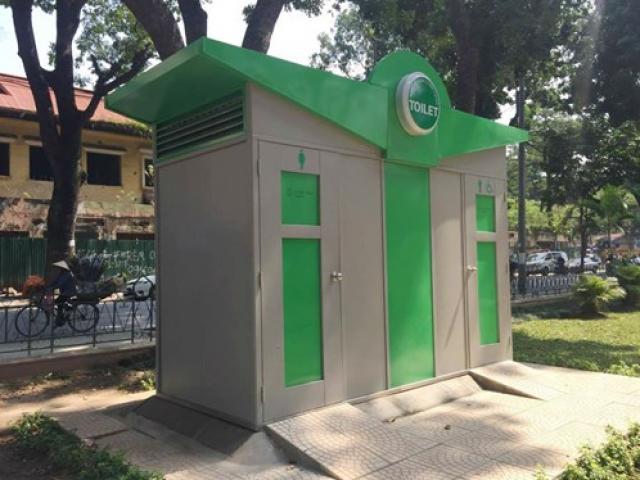 Nhà vệ sinh công cộng xây xong rồi... khóa cửa
